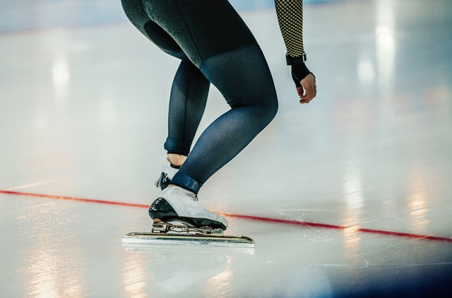 feet athlete speed skater